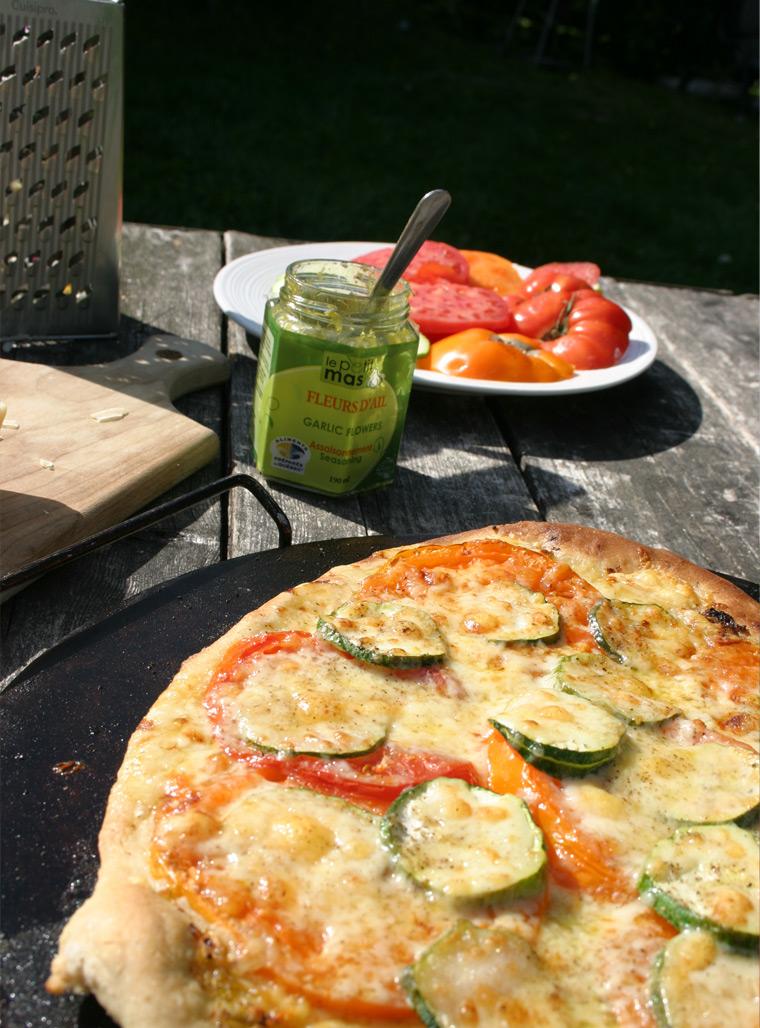 Variation Sur Le Theme Pizza Sauce De Fleurs D Ail Dans L Huile